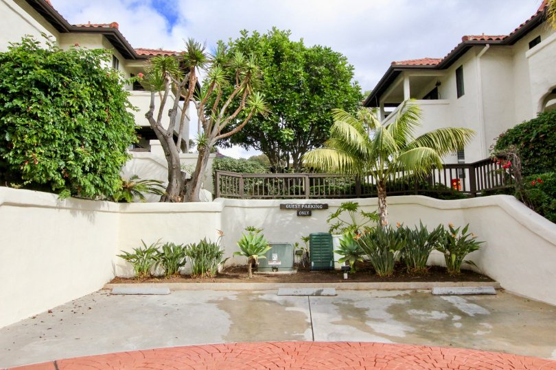 A beautiful view of the sprawling front entrance to Carlsbad Beach Villas in Carlsbad California