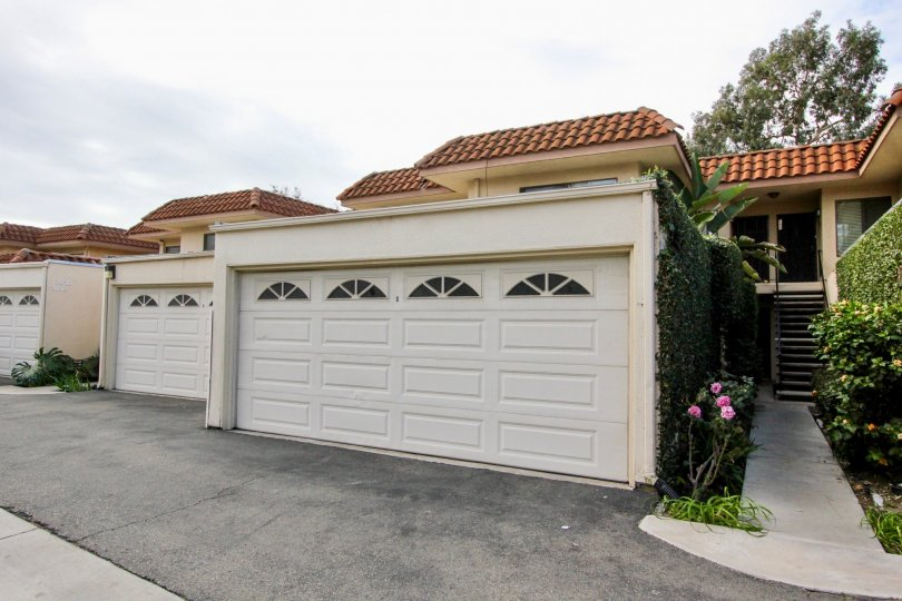 View of a home in Casa Del Rey with multiple garages
