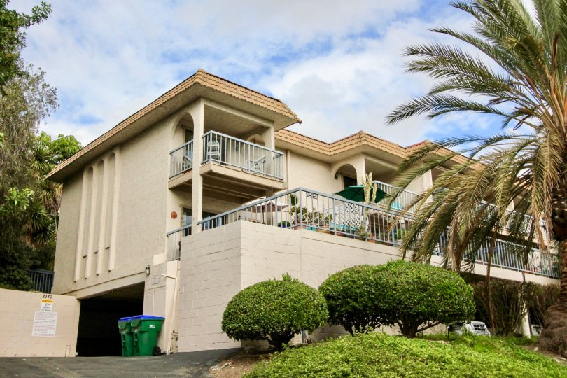 the casa grande is a unite house of the carlsbad city in ca