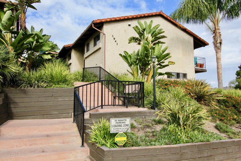 the casitas de la costa is a banana tree house of the carlsbad in ca