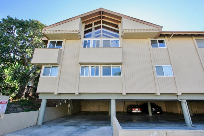 Building with ample of carparking and trees in Fairview of Carlsbad