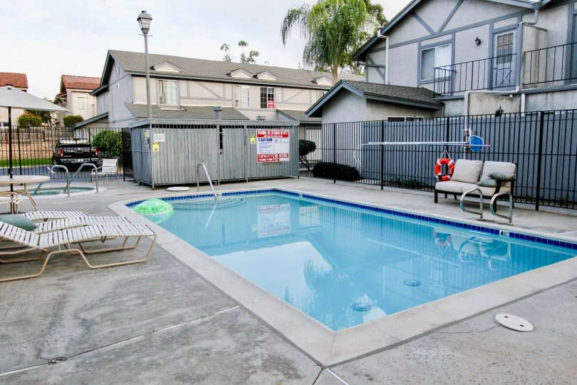 the hescon heights is a swimming pool house of the carlsbad city in ca