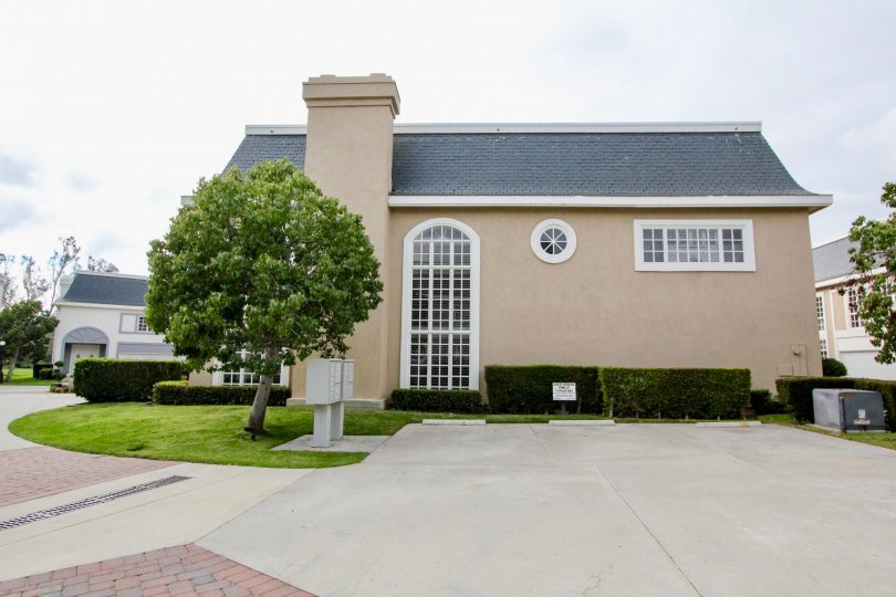 Awesome villa with lawn having ample space in Jocky Club of Carlsbad