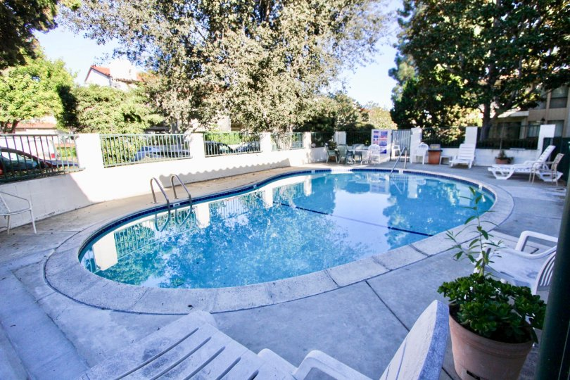 the navarra gardens is a beautiful swimming pool of the carlsbad city in ca