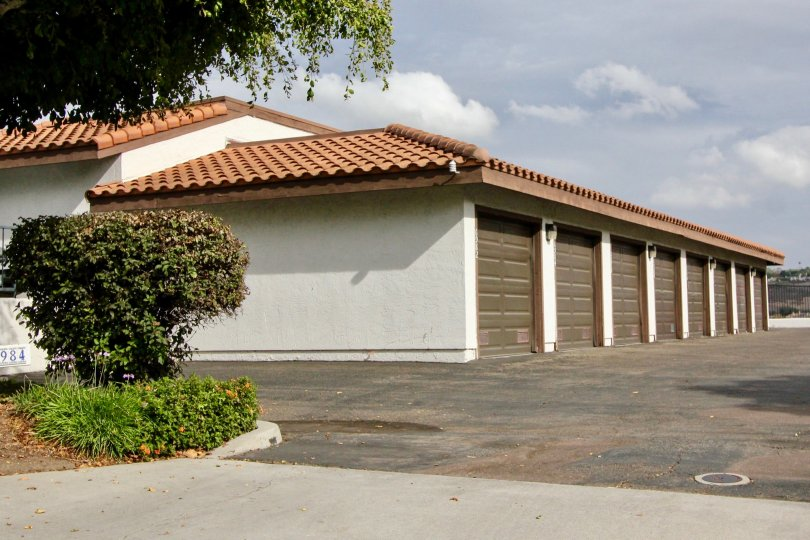 Villas with spacious carparking and garden on a sunny day in Paseo De La Costa of Carlsbad