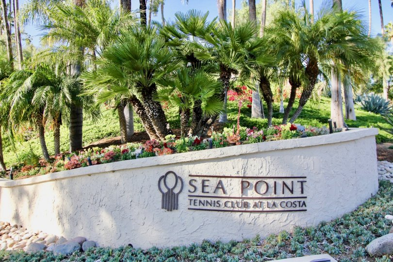 the sea point tennis club is a most calmfull place of the carlsbad city in ca