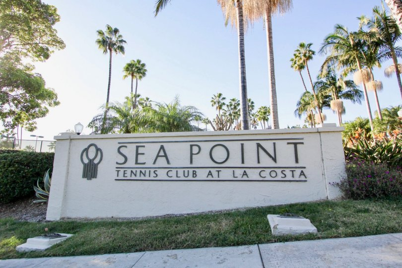 picture of entrance wall of Sea Point Tennis Club, located at Carlsbad, California