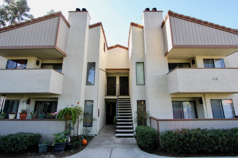 front view of brentwood arms chula vista california, view from street