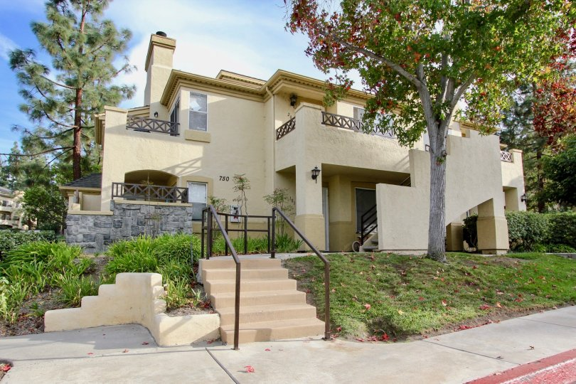 "alt=""Big and Beautiful House in Chula Vista California"">"