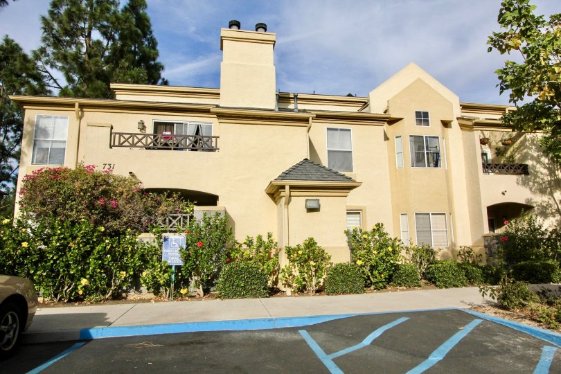 A brown building with handicapped parking available in front in Chula Vista, CA