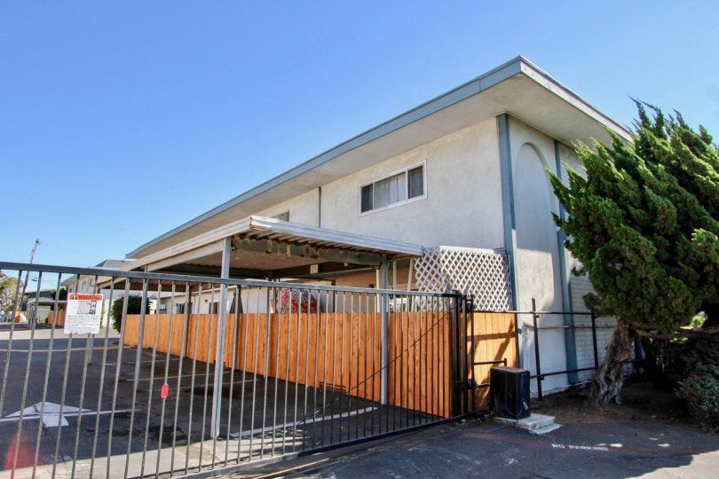 A beautiful House with Main Gate wtih spacious area around in Chula Vista Townhomes of Chula Vista
