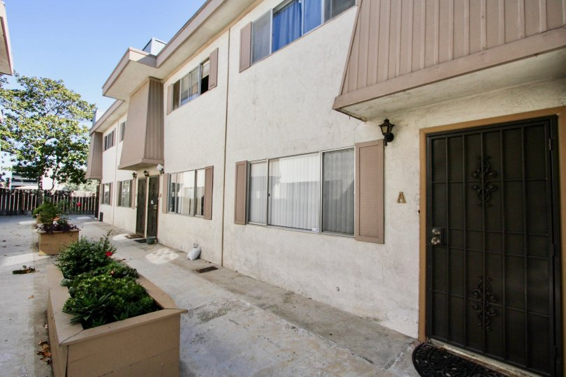 The exterior grounds at Continental Condos in Chula Vista, california.