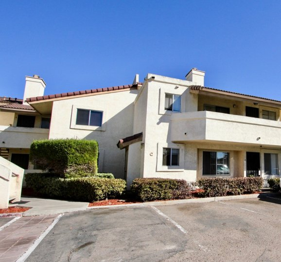 a really nice spacious house with a bit old architechutre giving it a classic look located in Jasmine Place, chula vista
