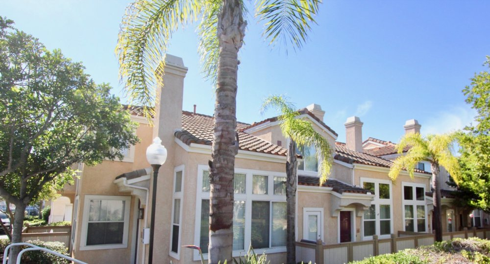 Live in luxoury at the Tiara Community in sunny Chula Vista, CA