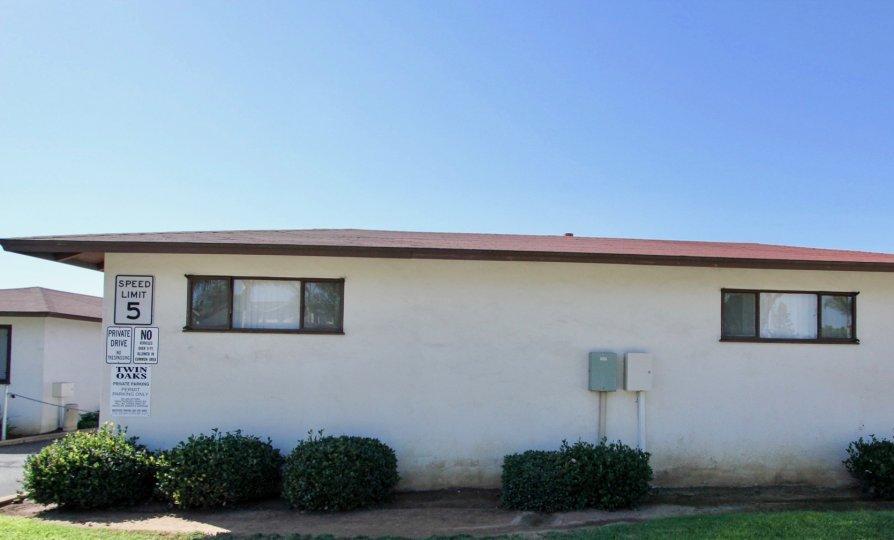 Minimallistic ground-floor house in Twin Oaks, Chula Vista.