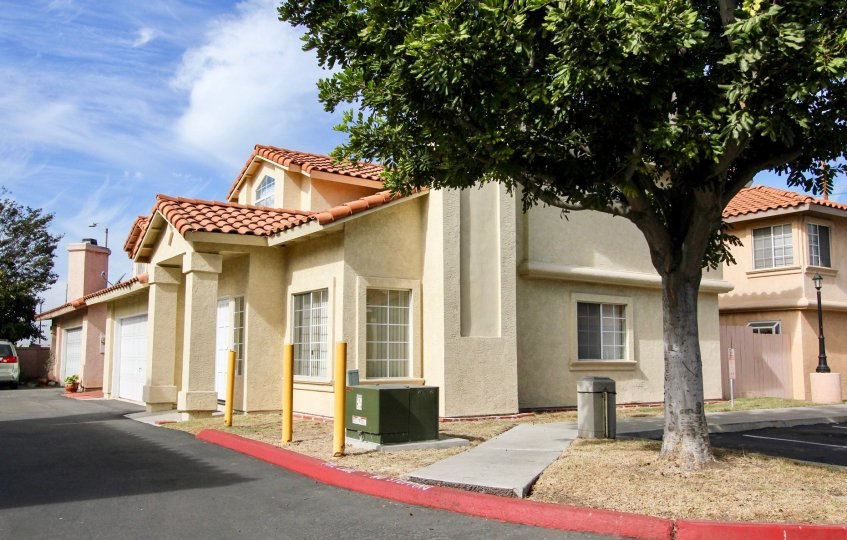 The well maintained community of Villa Rosa in Chula Vista, California.