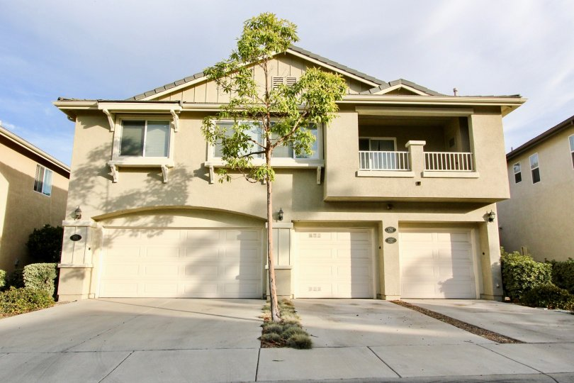Plenty of parking at this beautiful home in the Willow Bend Community in sunny Chula Vista, CA