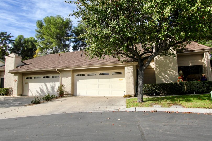 A glimpse at the beautiful landscaping outside this quiet duples in the Windsor View Community in Chula Vista, CA