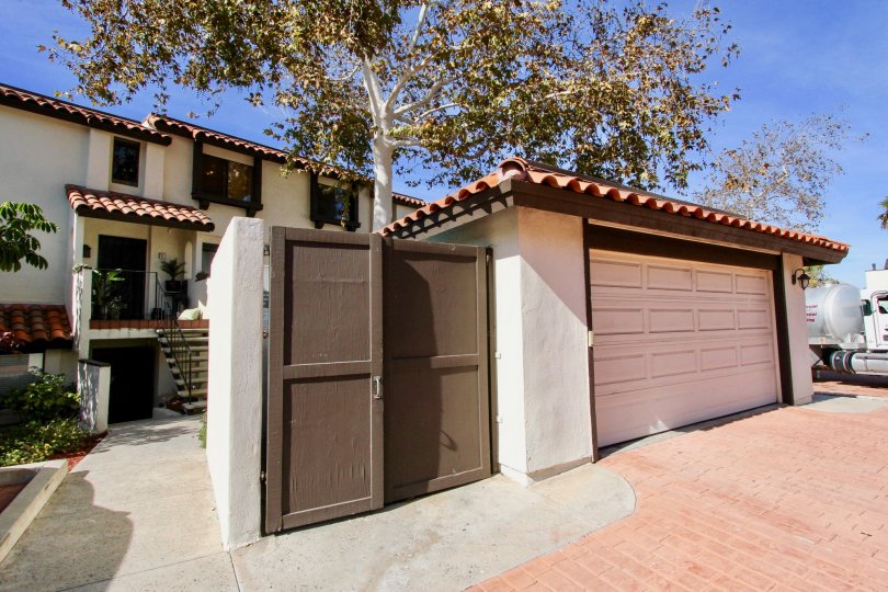 Bay Vista  ,: Clairemont Mesa ,California,blue sky,brown door