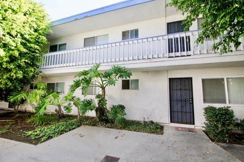 Bayview Terrace, Clairemont Mesa, California,white building,black door