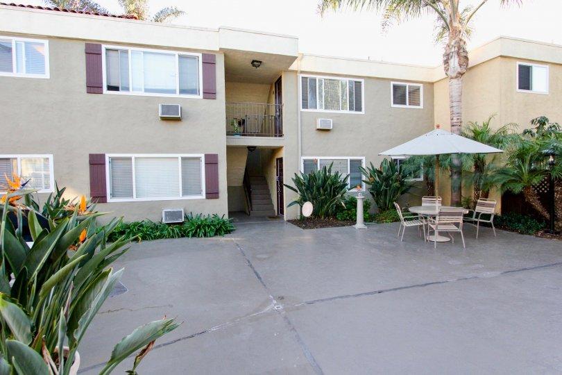 Heritage Park East , Clairemont Mesa ,: California, beige building, plants