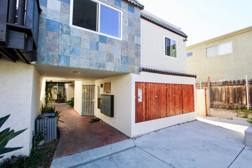 Amherst Estates ,: College Area , California, tiled wall, white building