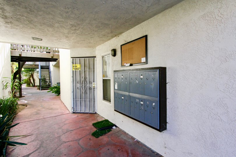 Amherst Estates, College Area,: California,red floor,locker,