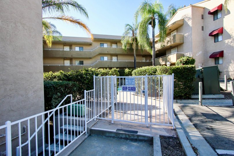 Glenridge , College Area  ,California, beige building,trees