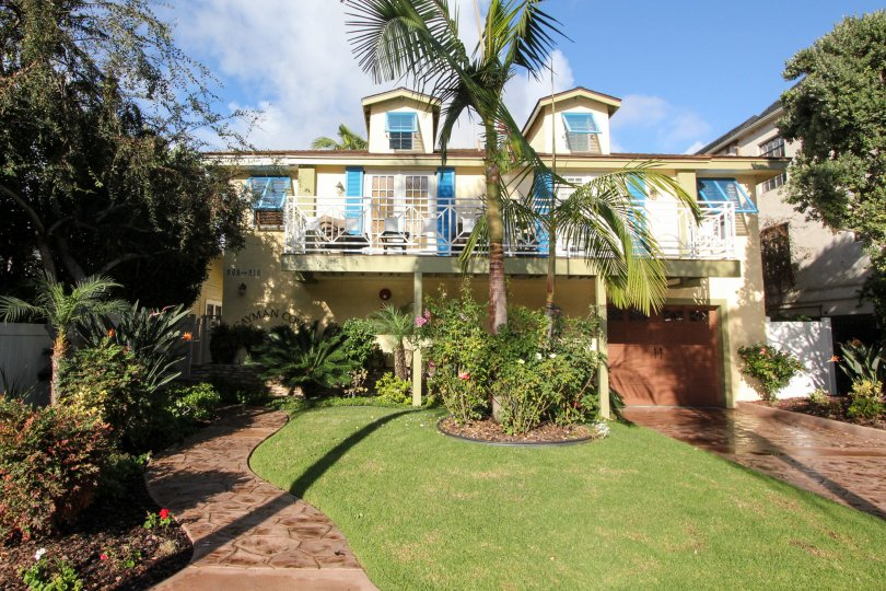 Beautiful house and amazing location in Cayman Cove California