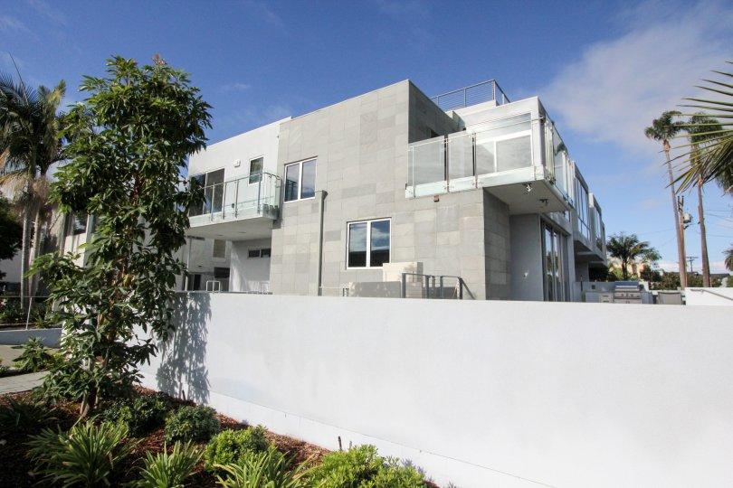 Live the lap of luxury in Coronado's own Glorietta Bay Point in San Diego's Backyard.