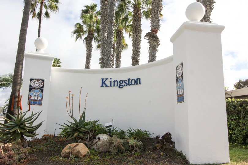 Live a luxurious lifestyle in Coronado's Kingston Court near San Diego.