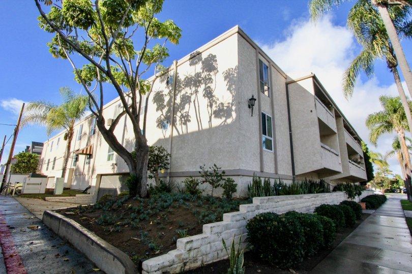 Beautiful and amazing houses in Villa Corona California