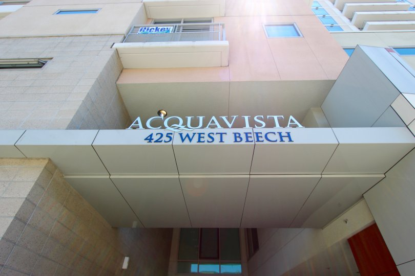 A building of Acquavista at 425 West Beech, washed by the sun