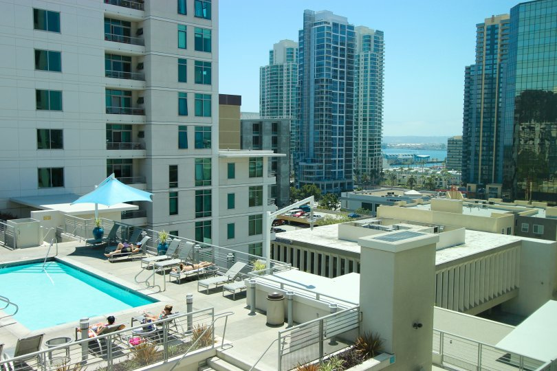 The Acqua Vista condos are close to everything Downtown San Diego has to offer. With a myriad of amazing restaurants, services, shops, and entertainment only steps away, you will fall in love with the charm and convenience of living in this incredible nei