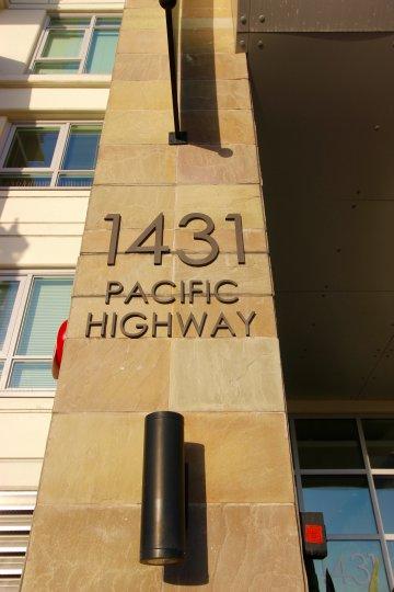 Breeze San Diego California beautiful building Pacific Highway
