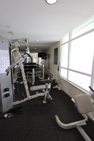 Well equipped fitness room for staying in shape at Discovery.