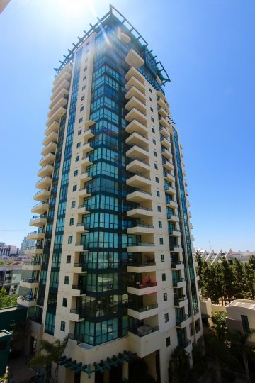 Horizons community in downtown San Diego California beautiful architecture