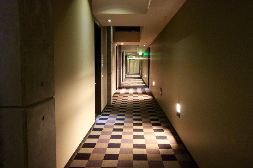 A day in the area of M2i, inside, hallway, lights, door, dark