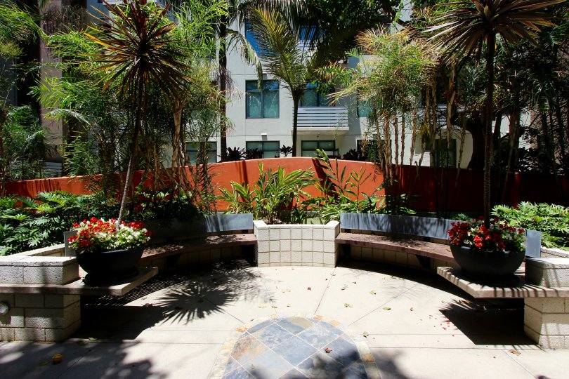 This is a nice place which has lot of trees and plants and the back side of the place the flat is there in the M2i