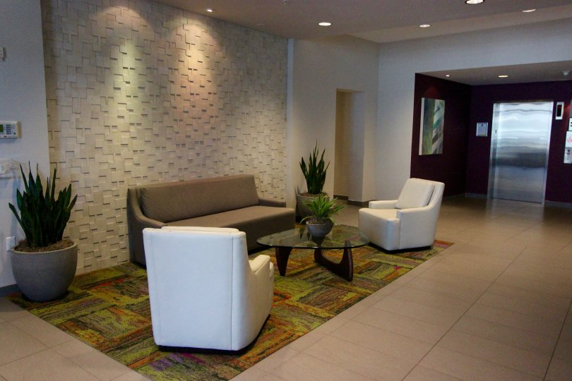 Nice lobby size and clean space to sit with friends at Nexus Downtown San Diego in California