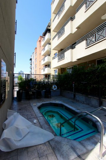 Apartment building with pool access. Area quiet and shady.