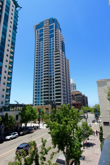 Pinnacle, City: Downtown San Diego, nice buildings with so many floors