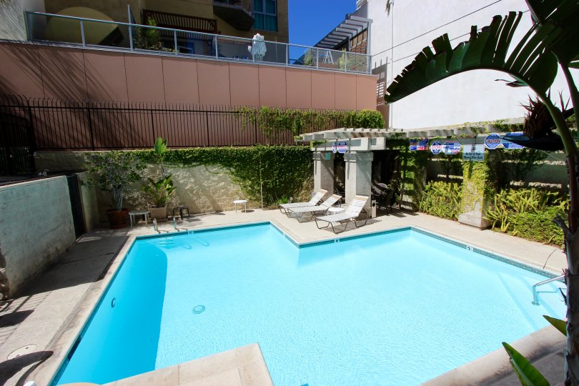 Good Building with Swimming Pool of Symphony Terrace in Downtown San Diego