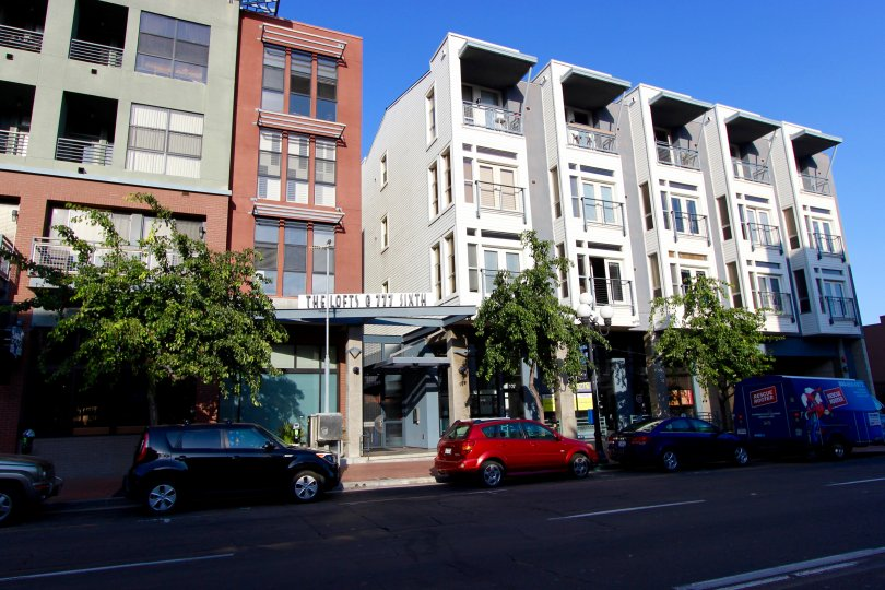 Front view of the buildings have cars and trees in The Lofts @ 777 Sixth