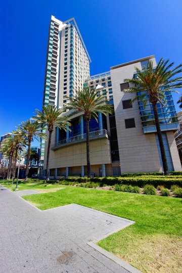 An apartment building in the metropolitan area of downtown San Diego, California.