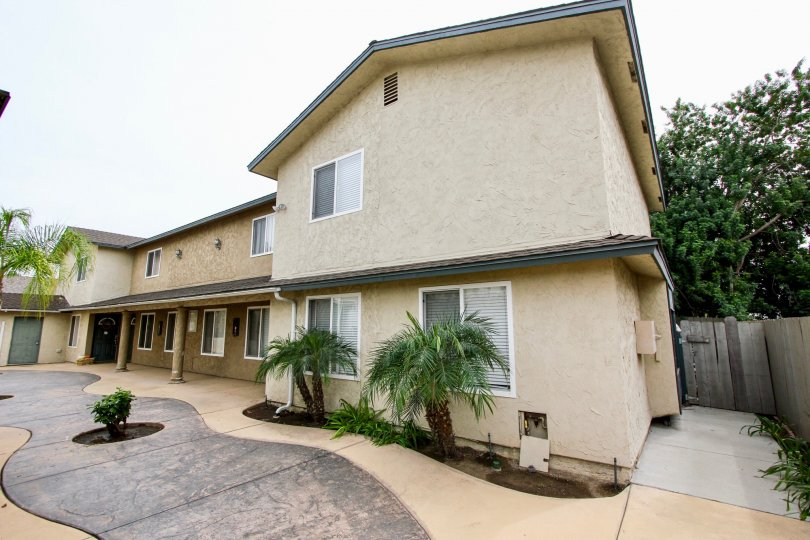 Peach Gardens's clean apartments in El Cajon, California