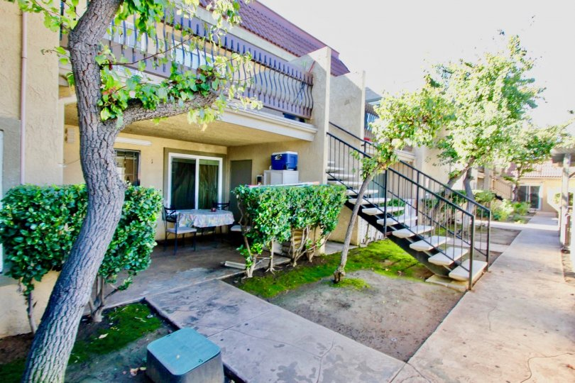 a most attractive bungalow with beautiful tree and garden comfortable climate clean way visit with with family in weekend