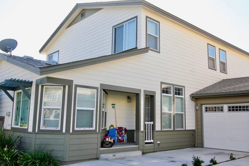 : Brotherton Square ,Escondido  , California, white building, elegant