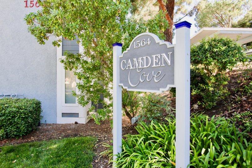 Camden Cove  ,Escondido , California, sign post,bushes