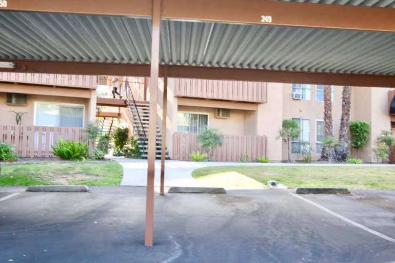 Rock Springs East apartments with carports in Escondido, California